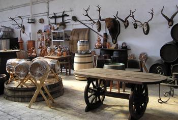 Tonelerias mobiliario y decoracion for Casa y jardin tienda madrid